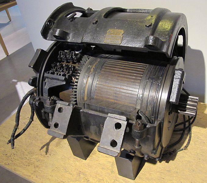 Как подключить однофазный электродвигатель