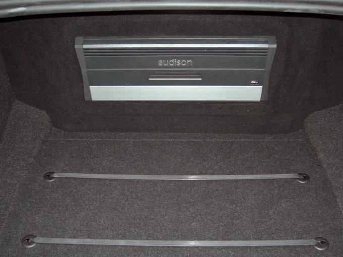 Как поставить сабвуфер в машину