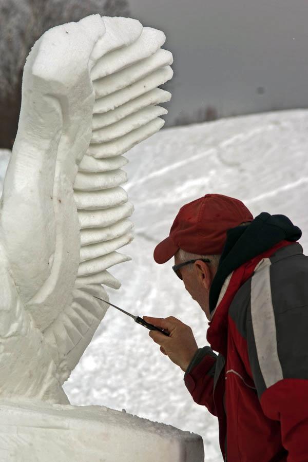 Как сделать снежные скульптуры