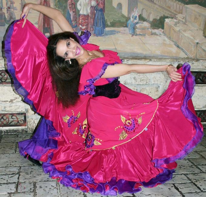 Как сшить цыганский костюм