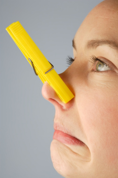 How to remove smell of dampness