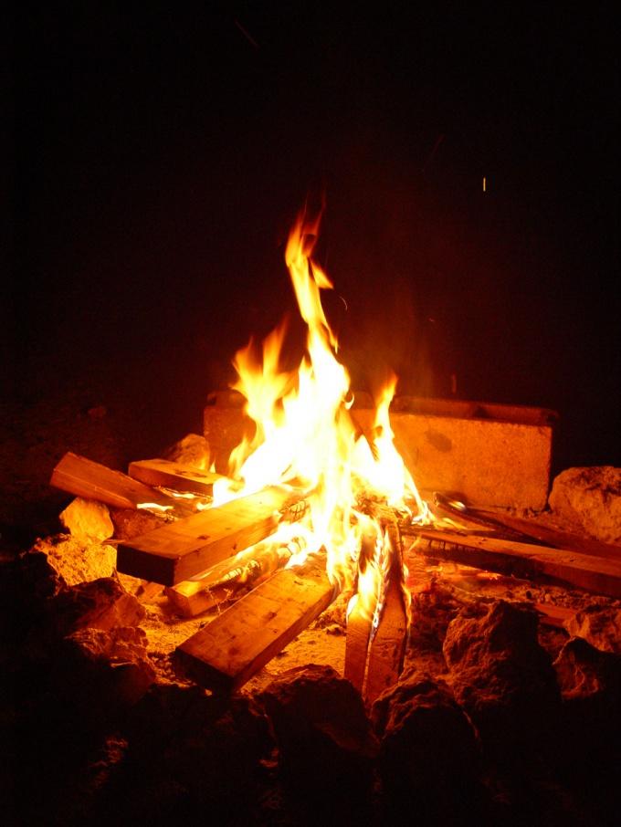 Как добыть огонь в лесу