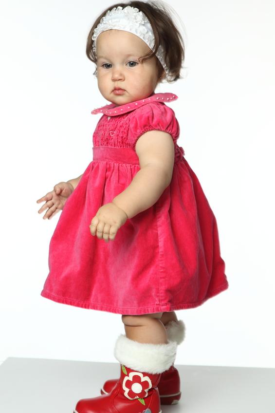 Как нарисовать маленькую девочку