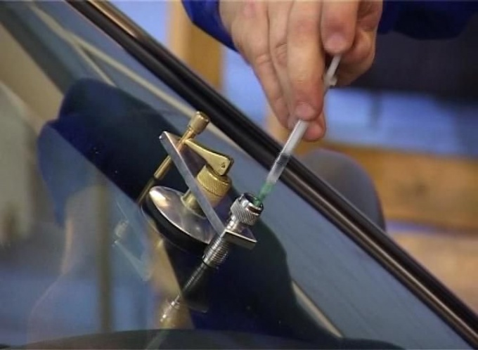 Ремонт трещин на лобовом стекле своими руками