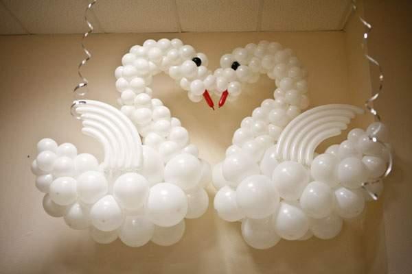 Как сделать лебедя из воздушных шаров