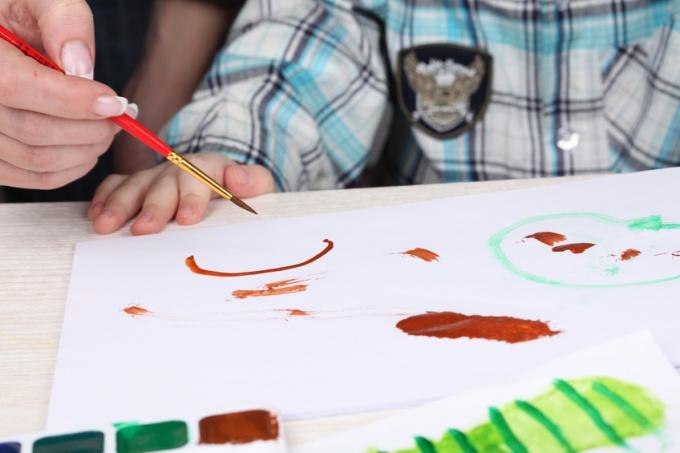 Как научить своего ребенка прикладной лепке и рисованию