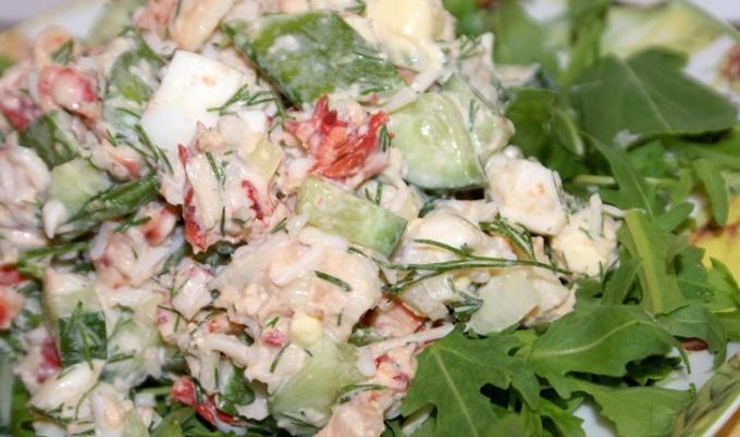 Как приготовить салат из краба