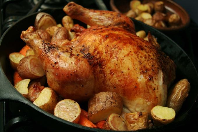 Как запечь цыпленка в духовом шкафу
