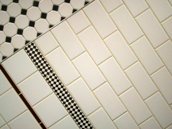 Как класть плитку по диагонали
