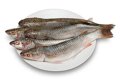 Как очистить рыбу от чешуи
