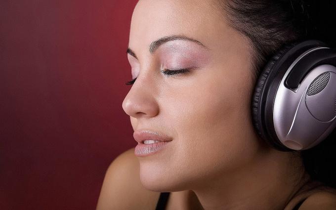 Как загрузить музыку в телефон с компьютера