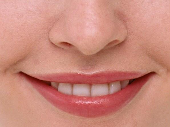 Как красить тонкие губы