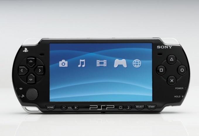 Как заменить экран на PSP
