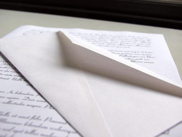 Как заполнить конверт для отправки за границу