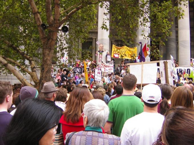 Как заставить других соблюдать правила безопасности на митинге