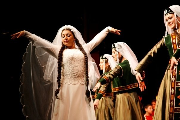 How to learn to dance Armenian dances