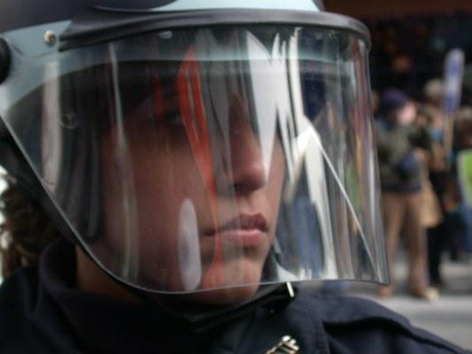 Как вести себя с полицией на митинге