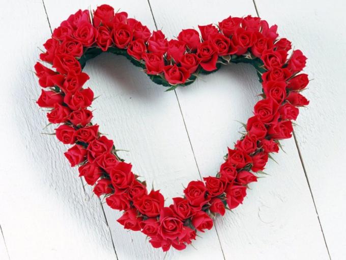 Что подарить на День Всех Влюбленных девушке