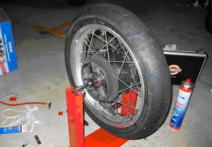 Как снять диск с колеса
