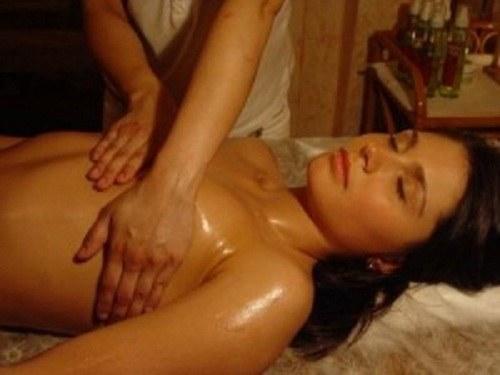 Как сделать грудной массаж