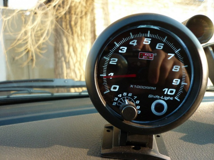 How to connect additional tachometer