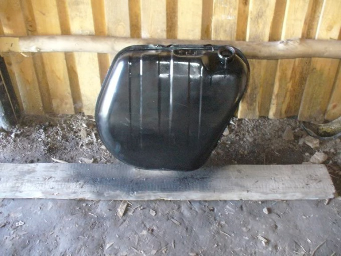 Как заделать дыру в баке
