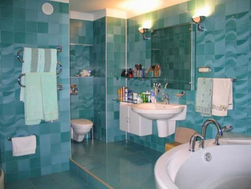 How to get the smell of dampness