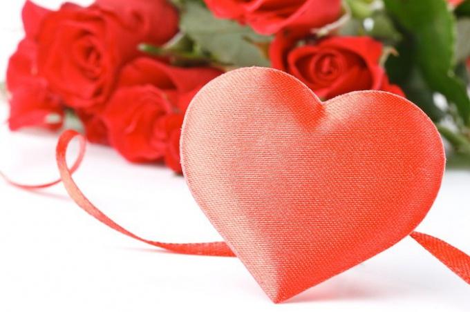 Что подарить на Валентинов день парню