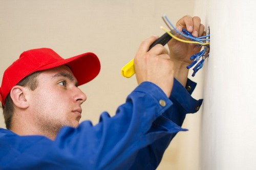 How to call a electrician at the house