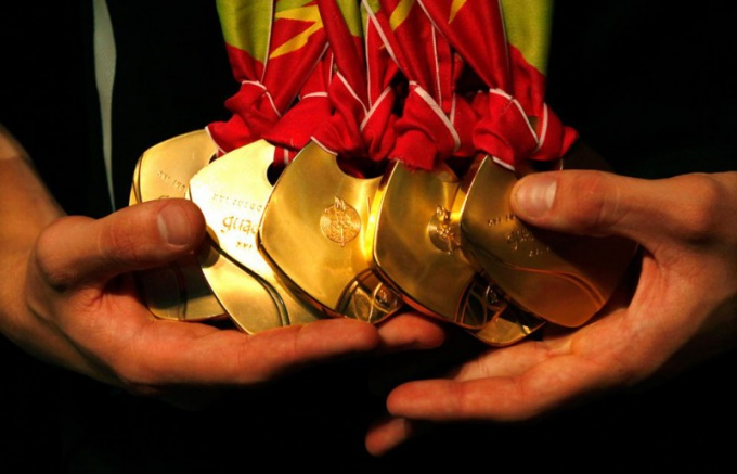 How to clean a medal