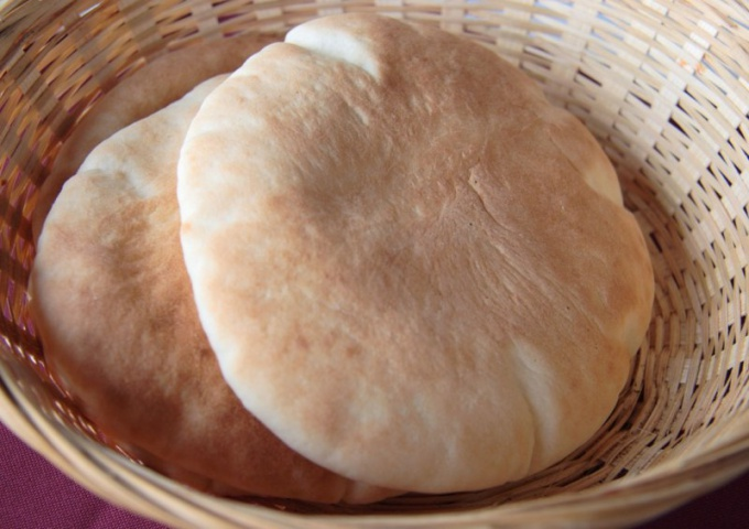 How to bake pita bread