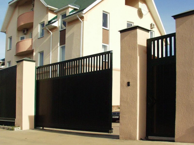 How to install sliding gates