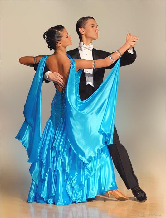 Как научить танцевать вальс