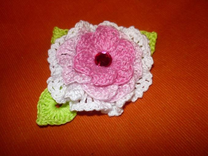 Как научиться вязать крючком цветок