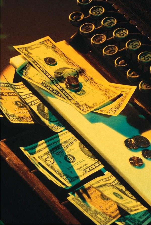 Каким будет курс доллара к рублю: прогнозы
