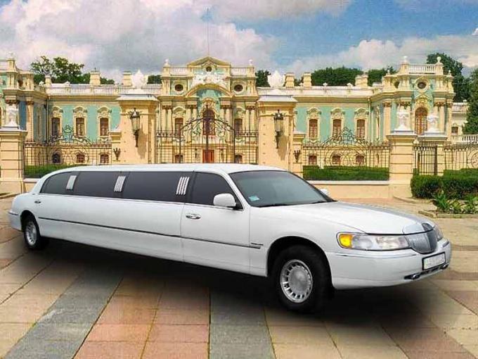 Как арендовать автомобиль представительского класса на свадьбу