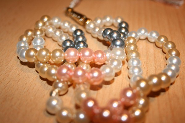 How to string pearls
