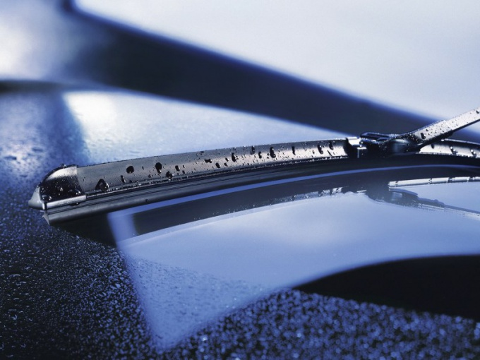 How to install frameless wipers
