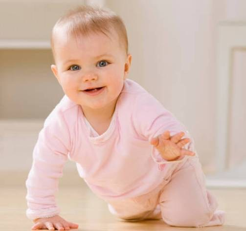 How to teach a baby to sit independently