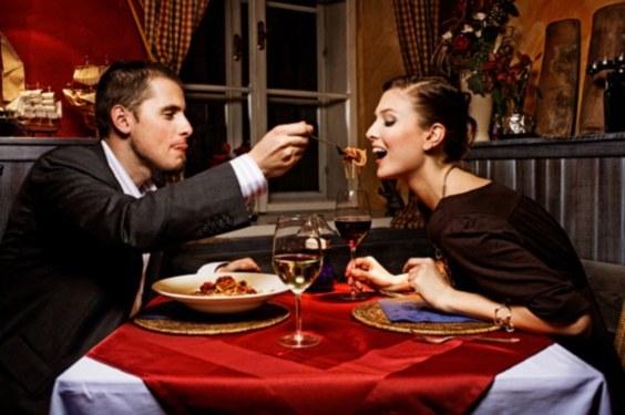 Как устроить своей девушке праздник