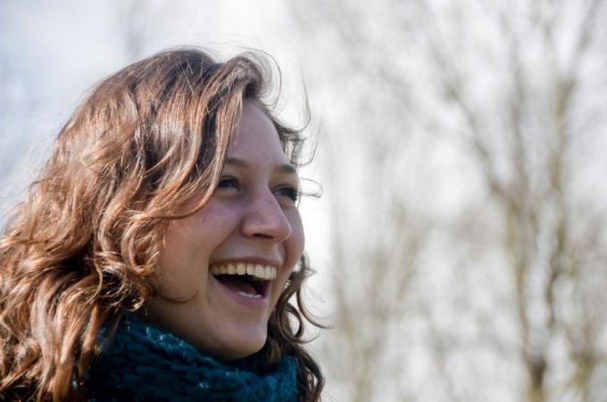 Как определить характер по смеху
