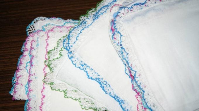 How to tie a handkerchief crochet