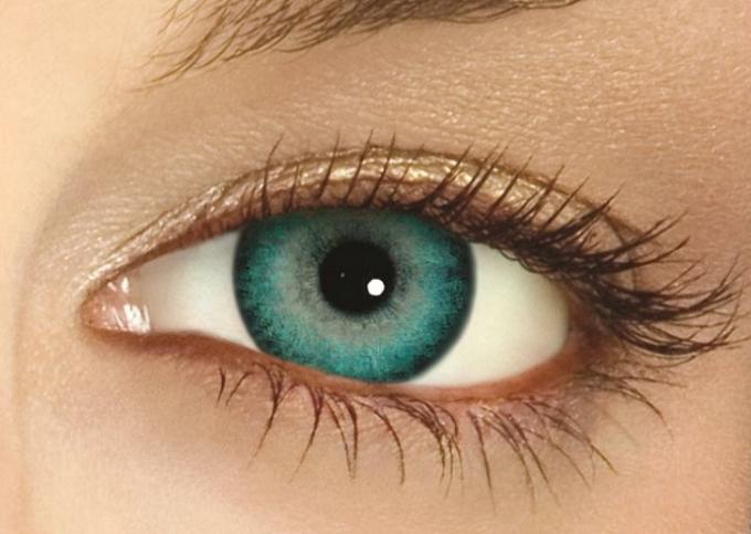 Как подобрать цветные линзы для глаз