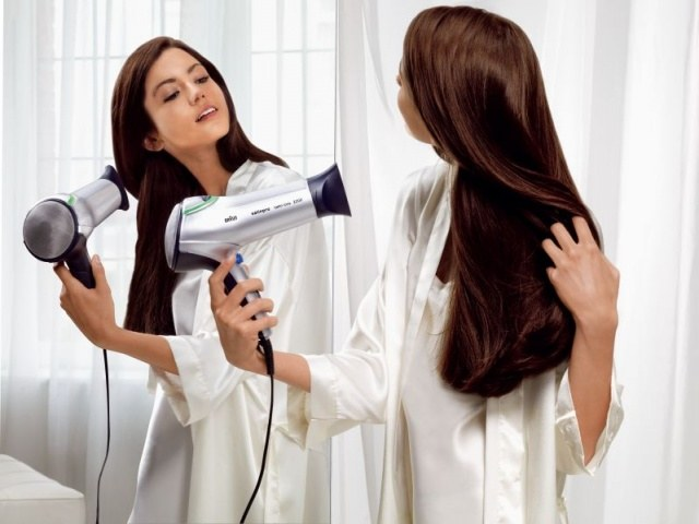 How to apply mousse to hair