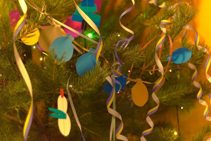 How to make your own hands a garland of paper