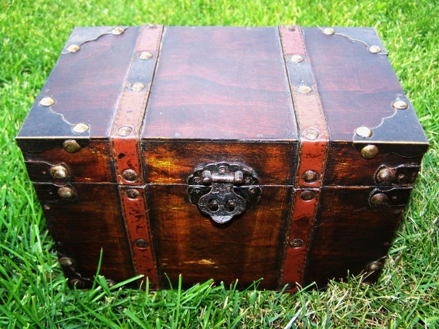 How to make pirate chest