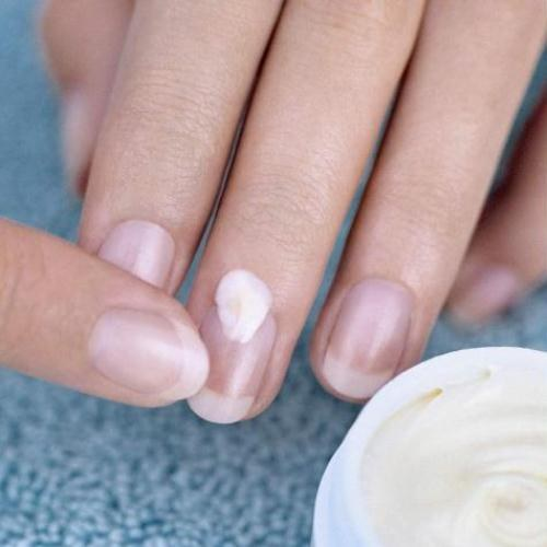 How to get rid of fungus on fingernails