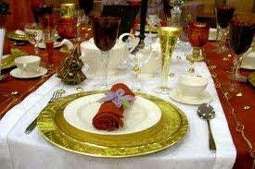 Как оформить стол к празднику
