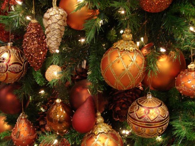 Новогодние елки: история и традиции