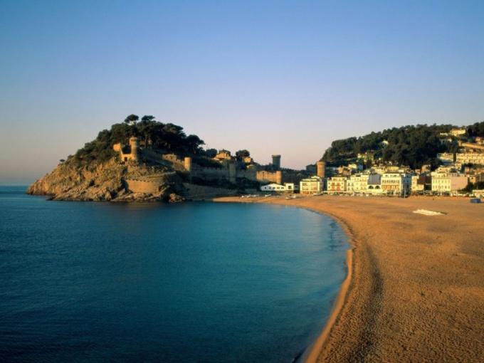 Как оформить приглашение в Испанию